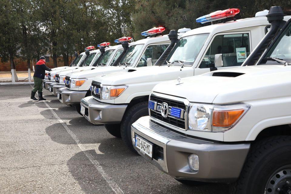 აშშ-ს საელჩოს თავდაცვის სამსახურმა საგანგებო სიტუაციების მართვის სამსახურს ექვსი სპეციალიზებული მანქანა გადასცა