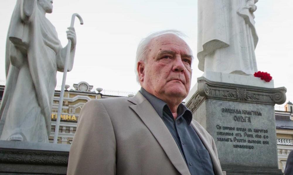 საბჭოთა დისიდენტი და მწერალი ვლადიმერ ბუკოვსკი გარდაიცვალა