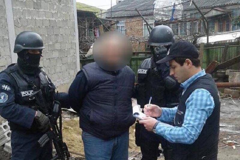 შინაგან საქმეთა სამინისტრომ ქუთაისში ნარკორეალიზატორი დააკავა