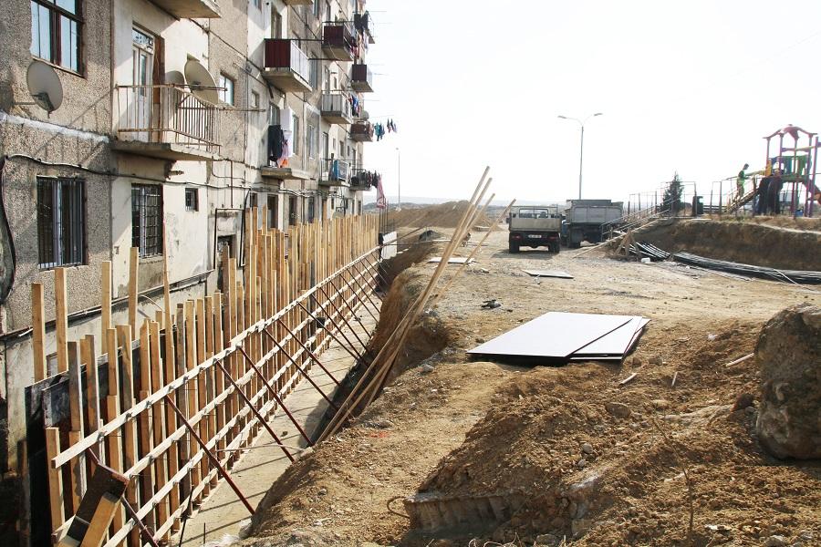 კრწანისის რაიონში გრუნტის დამჭერი ექვსი კედლის მშენებლობა მიმდინარეობს