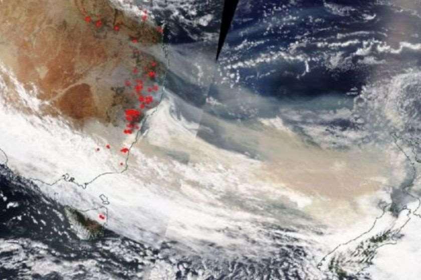 ავსტრალიის ტყის ხანძრებისას წარმოქმნილი კვამლი მთელ დედამიწას შემოუვლის