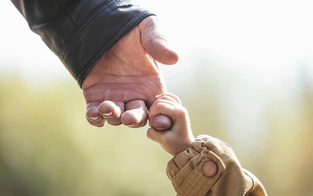 უკრაინაში ბებიებსა და ბაბუებს შვილიშვილების აღზრდაში გადაუხდიან