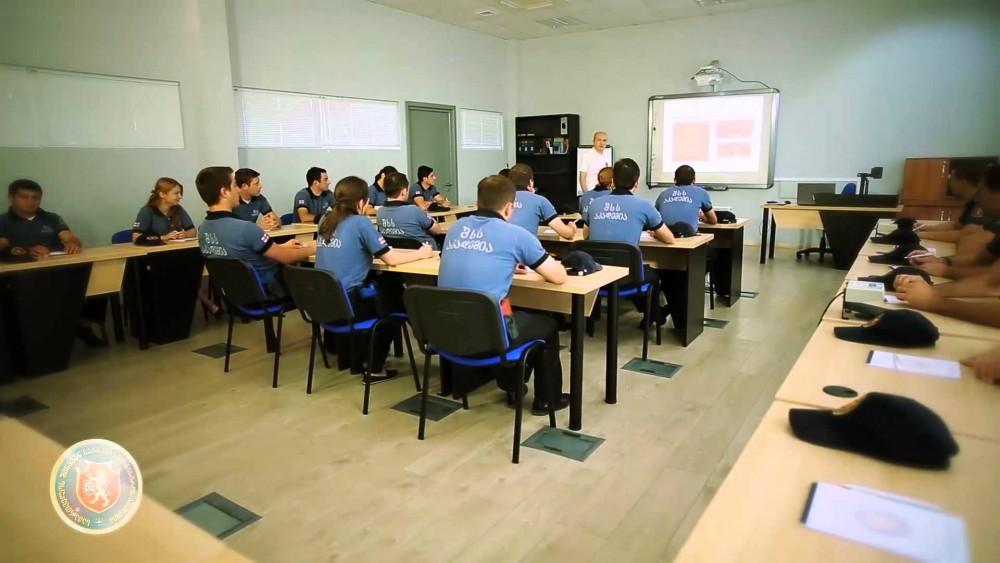 პოლიციის აკადემია უმაღლესი განათლებიდან პროფესიულ განათლებაზე ორიენტირებულ უწყებად გარდაიქმნება - შს მინისტრი