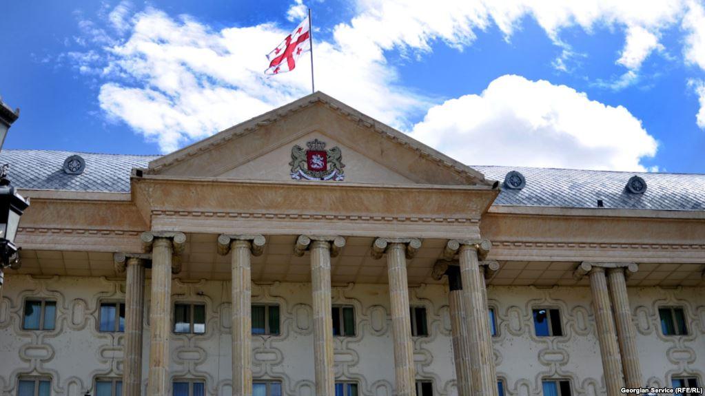 8 წლის გოგონას მკვლელობის საქმეზე ბრალდებულ იაგო ნებიერიძე სასამართლოში შეუძლოდ გახდა