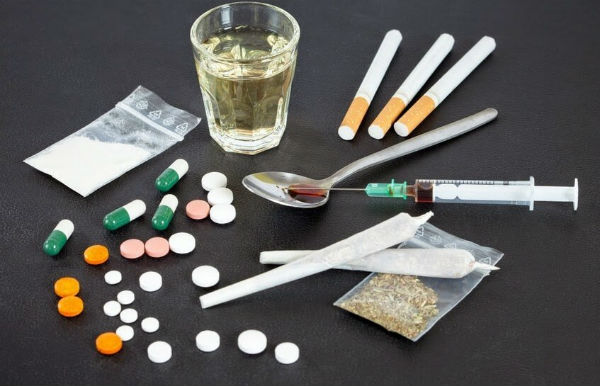 პოლიციამ განსაკუთრებით დიდი ოდენობით სხვადასხვა სახის ნარკოტიკი ამოიღო- დაკავებულია 1 პირი