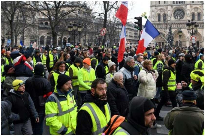 პარიზში ყვითელჟილეტიანების აქციაზე 100-ზე მეტი აქტივისტი დააკავეს