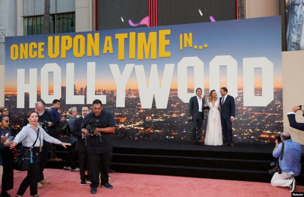"""""""ერთხელ ჰოლივუდში"""" - ტარანტინოს ახალი ფილმის პრემიერა (ფოტოები)"""