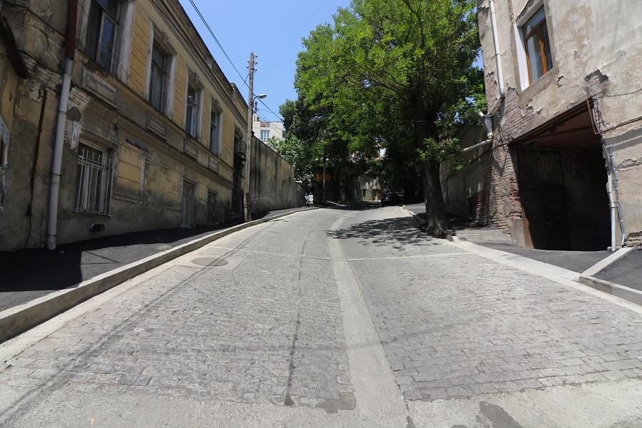 სოლოლაკში, გერგეთის ქუჩაზე ქვაფენილი მოეწყო