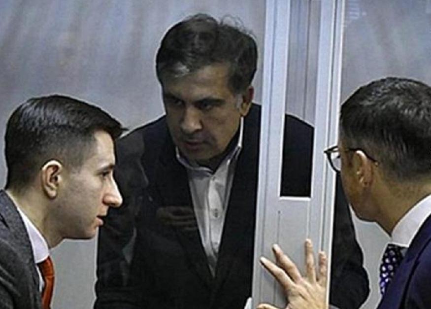 მიხეილ სააკაშვილის საქმეზე გადაწყვეტილებას მოსამართლე დაახლოებით ერთ საათში გამოაცხადებს