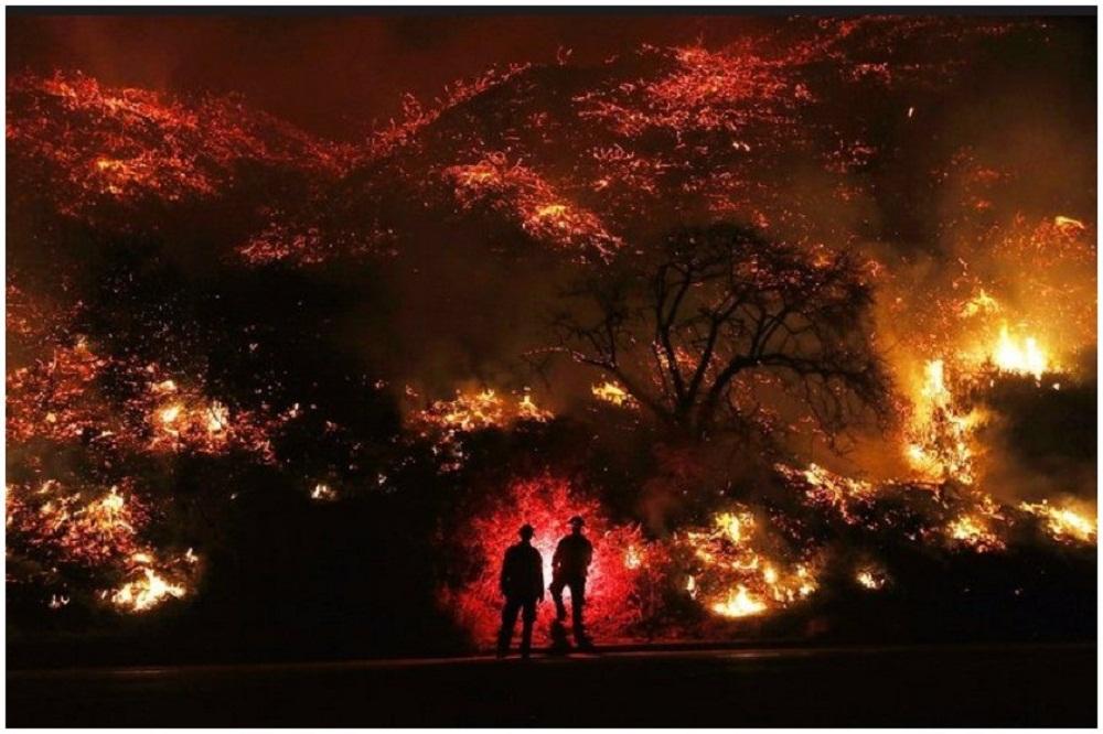 კალიფორნიის შტატში გაჩენილი ტყის ხანძარი ლოს-ანჯელესს მიუახლოვდა