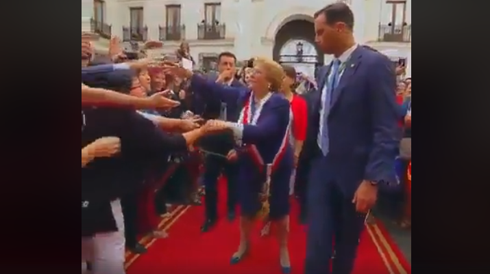 ჩილეს ყოფილი პრეზიდენტის ემოციური გაცილება (ვიდეო)